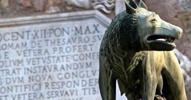 Março é o terceiro mês do ano! A loba que alimentou Remo e Rómulo.