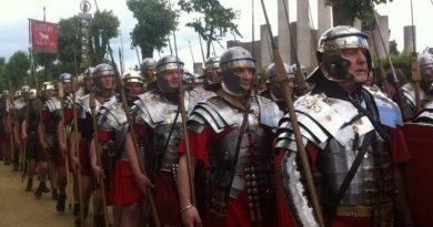 Cronologia das principais batalhas no tempo dos Gregos e Romanos - Legionários romanos a caminho de Roma