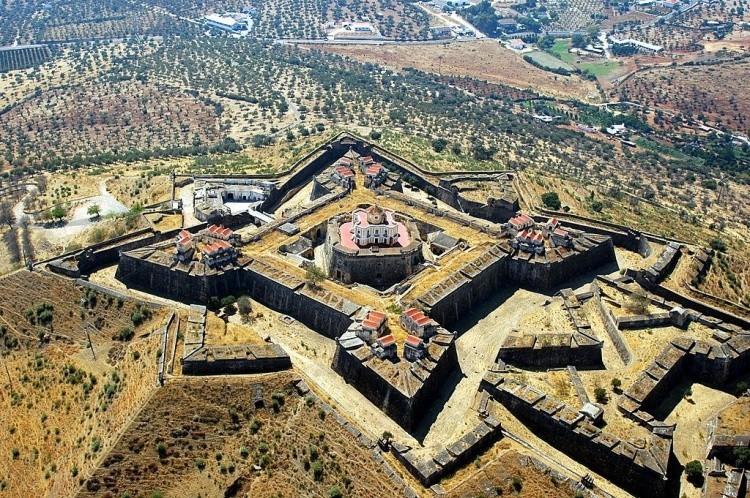 fortalezas abaluartadas portuguesas - Forte da Graça - Elvas