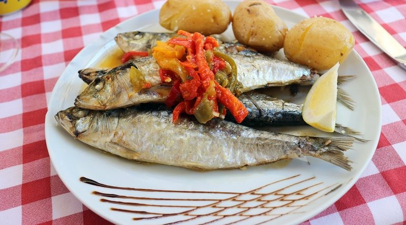 Olha a bela sardinha, boa e fresquinha da costa!