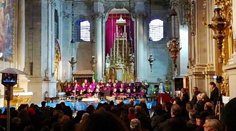 Algumas das festividades do ciclo natalício realizavam-se no interior das igrejas! Há usos, costumes e tradições que ainda persistem.