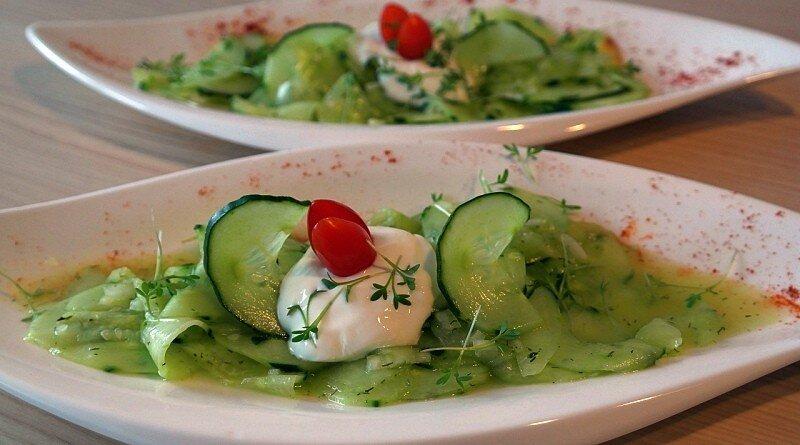 Pepino, fresco, delicioso e baixo em calorias