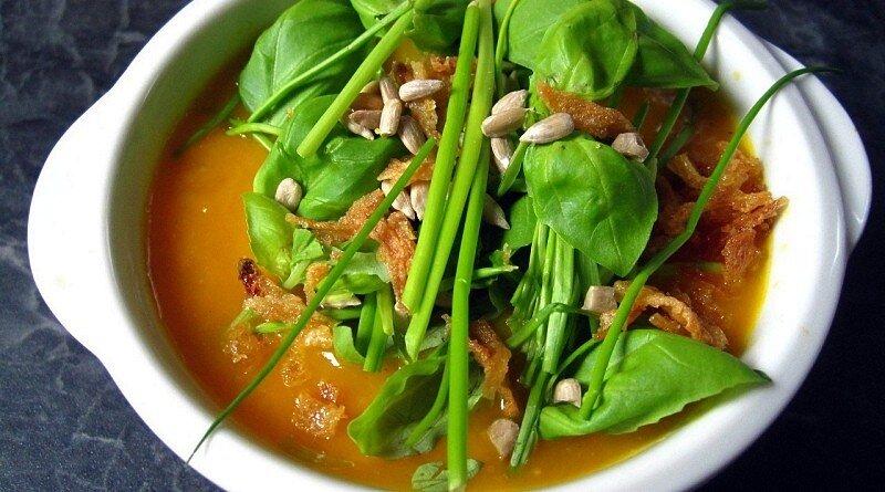 As sopas com muito legumes são uma verdadeira comida antigripe!