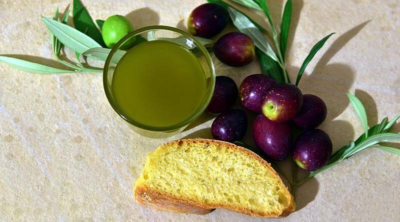 Azeite é 100% sumo de azeitonas