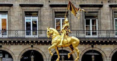 Estátua equestre de Joana d'Arc | Morreu a 30 de Maio de 1431, na fogueira
