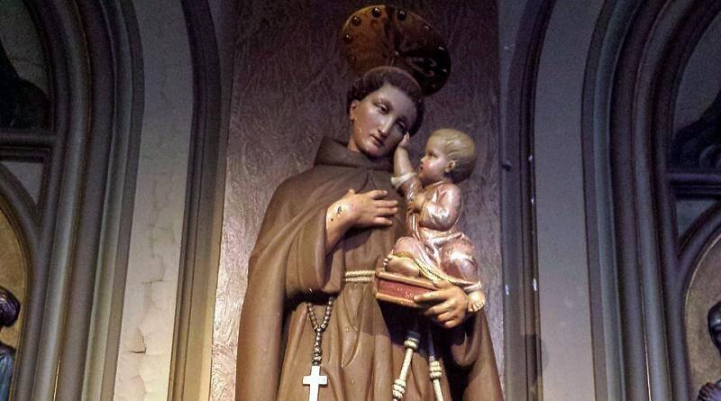 Santo António de Lisboa com o Menino Jesus nos braços